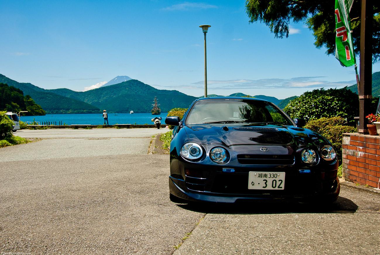 Легендарная Селика Джити-Фор. Машина настоящего самурая, да на фоне Фуджи-Сан.