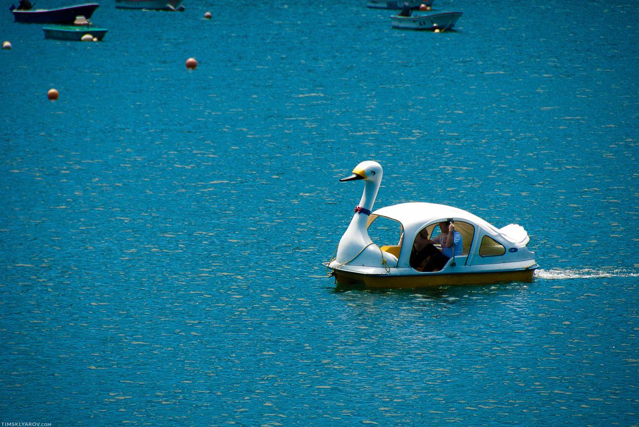 Водные развлечение тут такие.. ммм, советские? :-)